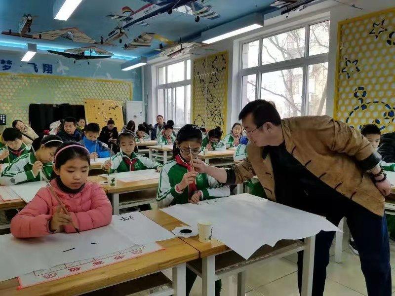 李永钧老师在北京海淀区青少年艺术基地